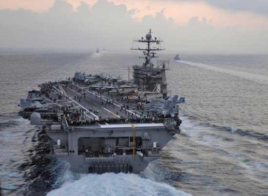 Le Porte Avion USS Truman à Marseille