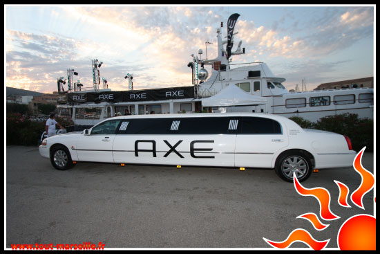 limousine Axe Boat